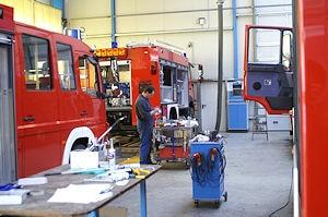Fertigung von Feuerwehrfahrzeugen bei der Firma Schlingmann. Der Betrieb wurde in der vergangenen Woche durchsucht.  Foto: Hegemann