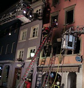 Leitereinsatz bei Feuer. Foto: Feuerwehr Ueberlingen