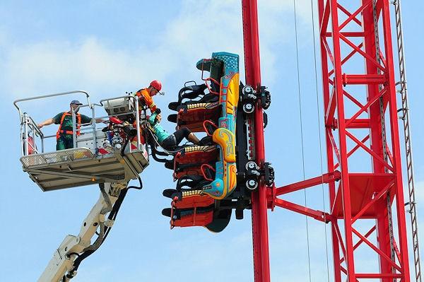 Rettung aus der Achterbahn. Foto: Westend PR GmbH