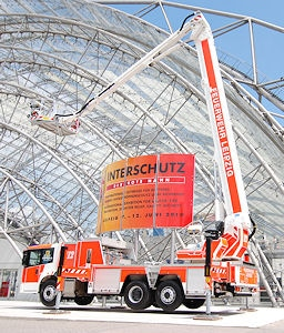 Der Teleskopgelenkmast der BF Leipzig bei der Interschutz 2010. Foto: Rüffer