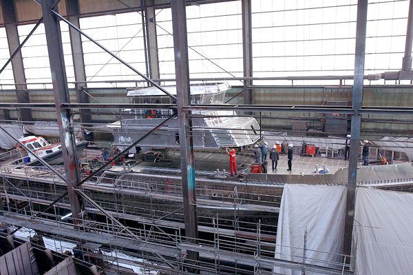 Ein neuer Seenotkreuzer entsteht: Im kommenden Jahr soll das Schiff für Einsätze in der Ostsee bereit stehen. Foto: DGzRS