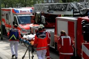 Ein Elektroinstallateur erlitt bei einem Kurzschluss lebensgefährliche Verletzungen. Der Stromunfall löste auch einen Kellerbrand aus. Foto: Feuerwehr Essen