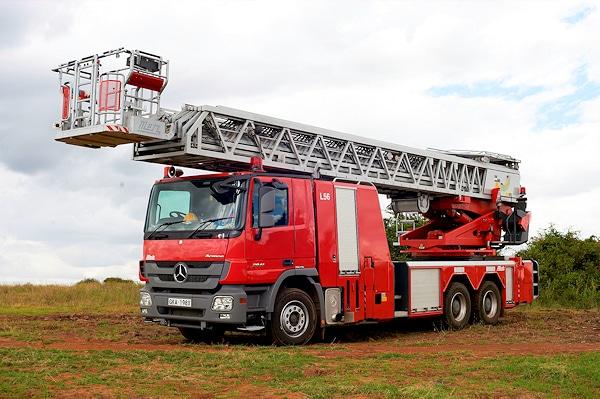Aufgebaut ist die L56 auf einem Mercedes Actros 2841 6x4 mit Telligent-Schaltautomatik. Foto: Metz Aerials