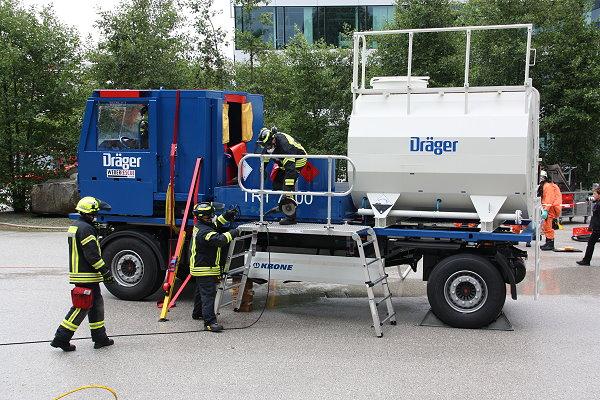 Neuer Lkw-Unfall-Simulator feiert Premiere | Feuerwehr-Magazin