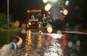 Hochwasser durch Unwetter mit Starkregen in Rostock. Foto: Nonstopnews