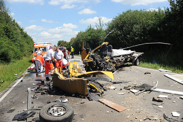 Tödlicher Unfall nahe des Flughafen München: zwei Lkw-Fahrer starben. Foto: Herkner