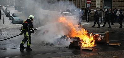 Gewalt gegen Einsatzkräfte: Künftig sollen Helfer besser geschützt werden. Foto: News 5