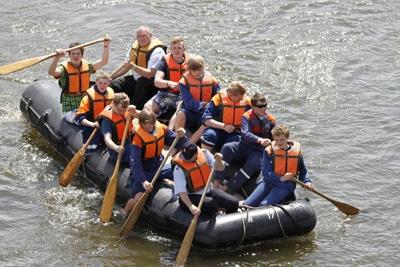 Bootstour mit der Jugendfeuerwehr auf der Weser von Höxter nach Holzminden. Foto: Henkel/NJF