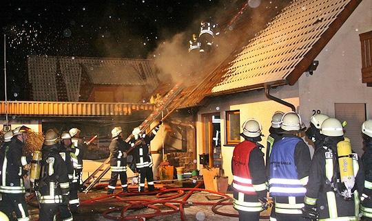 Brand im Brunsbeker Ortsteil Langelohe (Kreis Stormarn). Foto: Feuerwehr