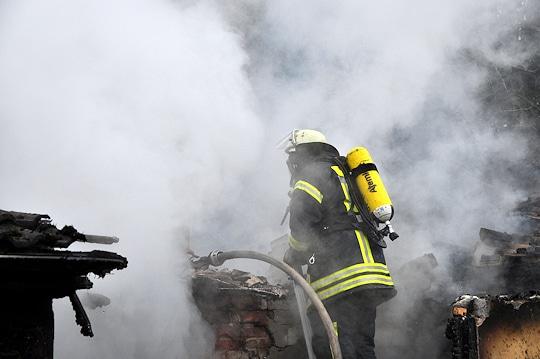 Feuer in Buchholz: Bei dem Brand eines Wohnhauses in Holm-Seppensen starb eine 89-jährige Frau. Foto: Polizei