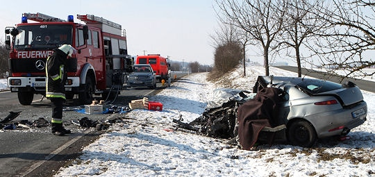 Toedlicher Unfall: Pkw rammt Lkw. Foto: News5/Grundmann
