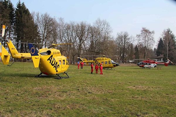 Tauchunfall im Starnberger See: drei Rettungshubschrauber sind am Ufer gelandet. Foto: Römmler