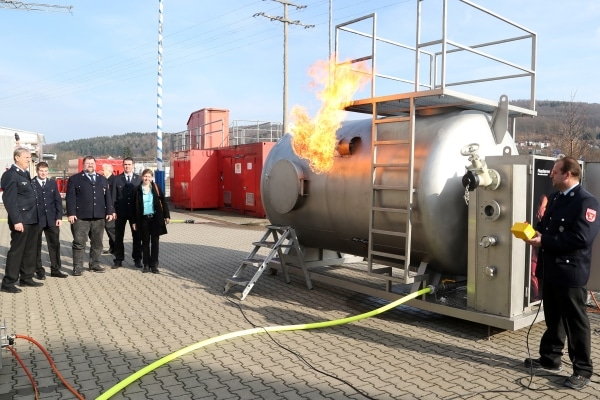 Den Feuerwehren im Kreis Aschaffenburg steht nun ein modernes Atemschutzzentrum zur Verfügung. Die Anlagen wurde auf dem Gelände der Feuerwehr Goldbach errichtet. (Foto: Ralf Hettler)
