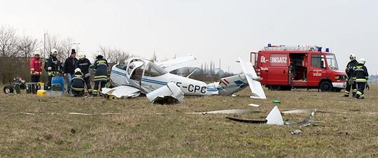 Flugzeugabsturz am Flugplatz Wels. Foto: foto-kerschi.at