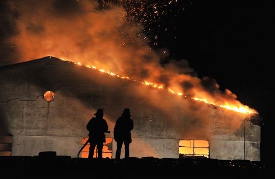 Großbrand in Niederschmiedeberg (SN). Foto: Hahn