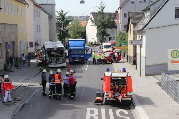 Schwerer Busunfall in Echterdingen. Foto: www.7aktuell.de/Christian Schlienz