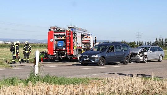 Unfall mit einem gasbetriebenen Pkw: Nach einem Auffahrunfall tritt Gas aus. Foto: 7aktuell.de/Becker