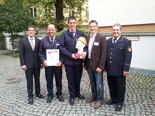 Sonderpreis für die Kreisjugendfeuerwehr des Odenwaldkreises  für Maßnahmen, die Jugendfeuerwehr-Mitgliedern den Übertritt in die aktive Wehr erleichtern. Foto: Patzelt