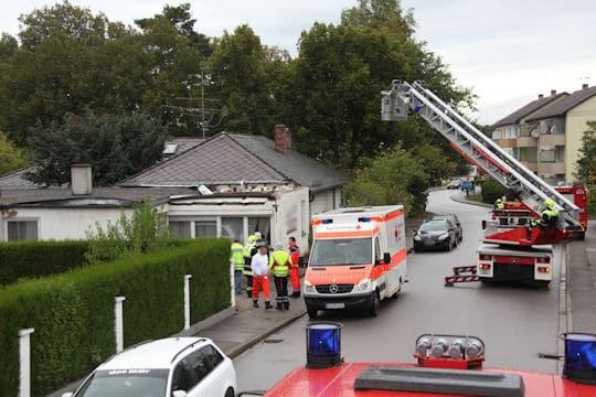 In Waldkraiburg ist aus ungeklärter Ursache ein Flachdach eingestürzt. Foto: fib/Eß