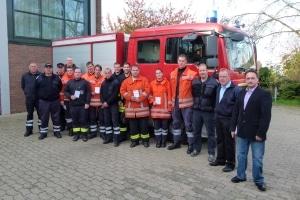Zehn Feuerwehrleute der Ortsfeuerwehren der Stadt Sehnde haben am Samstag den Feuerwehrführerschein erworben. (Foto: Feuerwehr Sehnde)