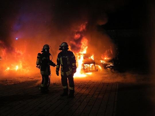 Rund jeder vierte Bürger in Deutschland hat ein Ehrenamt. Zum Beispiel bei der freiwilligen Feuerwehr. Foto: Klöpper