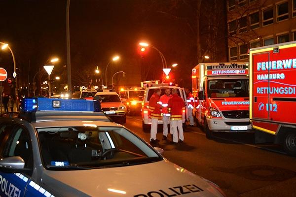 Feuer in Hamburg: Bei einem Brand sterben am Mittwochabend drei Menschen. Foto: Lars Ebner