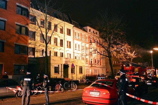 Jugendfeuerwehrmann als Brandstifter: in diesem Haus in Hamburg starben drei Menschen. Foto: Lars Ebner
