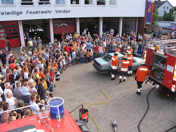 Mitgliederwerbung beim Tag der offenen Tür der Feuerwehr? Das funktioniert vielfach - allerdings nur, wenn es sich um eine sehr attraktive Veranstaltung handelt. Foto: Klöpper