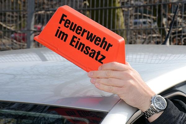 """Dachaufsetzer: """"Feuerwehr im Einsatz"""". Foto: Preuschoff"""