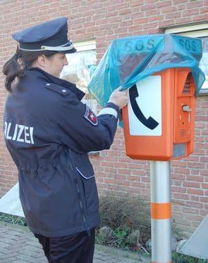 Notrufsäule: Niedersachsen baut die Säulen jetzt ab. Foto: Polizei