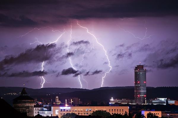 Gewitter über Nürnberg. Foto: News5