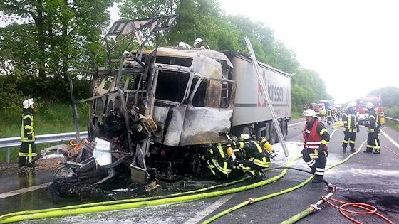 Unfall auf der A 27 bei Achim. Foto: Polizei