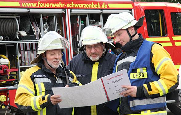Übertritt Aktive Feuerwehr (2). Foto: Timo Jann