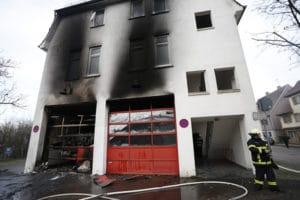 Brand bei der Feuerwehr Jebenhausen: schwerer Gebäudeschaden. Foto: 7aktuell.de