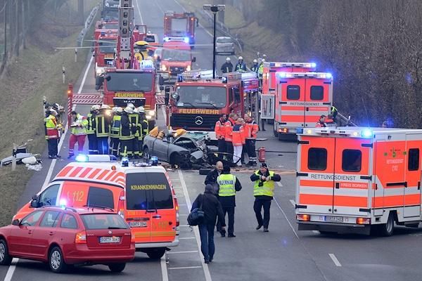Unfall auf der B 67 bei Borken. Foto: Bludau