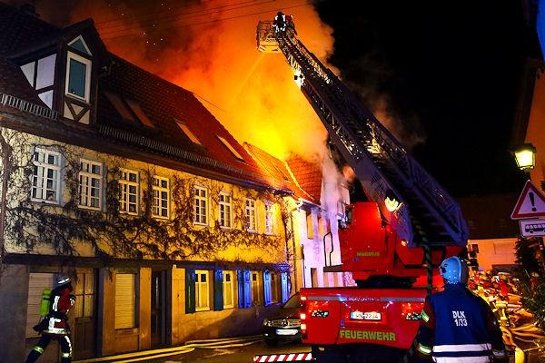 Wohnhausbrand, Berglen-Hößlinswart, Rems-Murr-Kreis, 13.02.2015.
