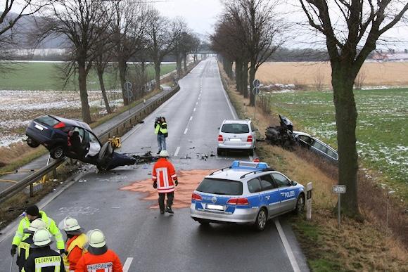 Übersicht der Unfallstelle auf der B 3 bei Schulenburg. Foto: Brüggemann/Feuerwehr