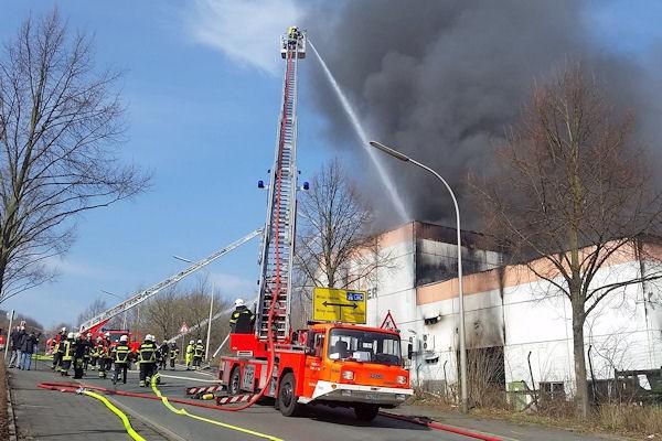 Großbrand in Witten. Foto: René Werner / Ida News Media