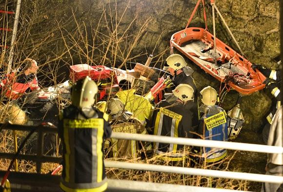Rettungsarbeiten im Flussbett. Foto: fib-FDL