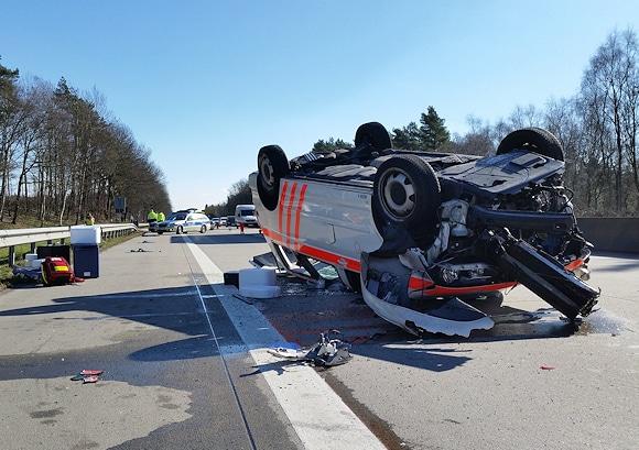 Unfall auf der A 27: ein Organspendeteam ist verunglückt. Foto: photoka.de