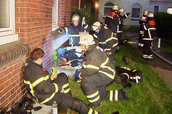 Feuerwehr Hamburg Deckeneinsturz. Foto: TV News Kontor