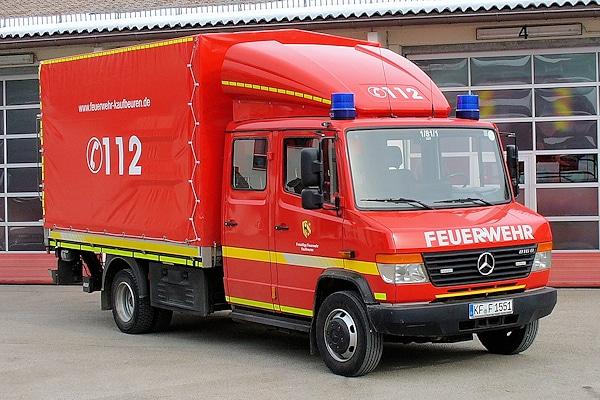 Gebraucht beschaffte die FF Kaufbeuren diesen Mercedes Vario 816 D. Die Gerätewarte der Wehr bauten das Fahrzeug zu einem Versorgungs-LKW aus. Foto: Fischer/Feuerwehr