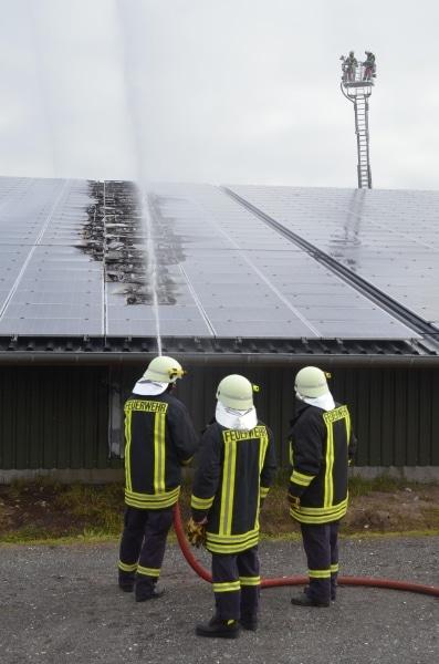 Brand-PV-Anlage-Pinneberg-26-05-2015