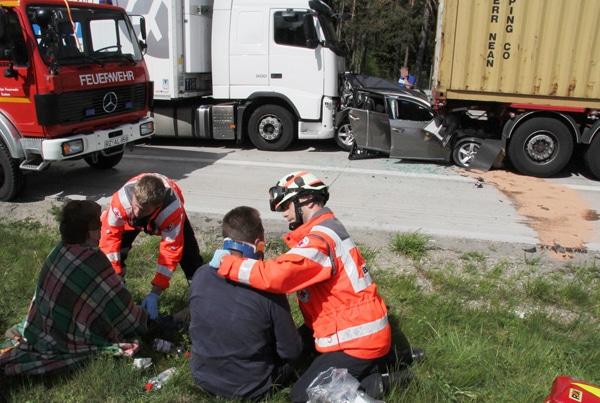 Unfall auf der Autobahn A 24 bei Gudow. Foto: Timo Jann