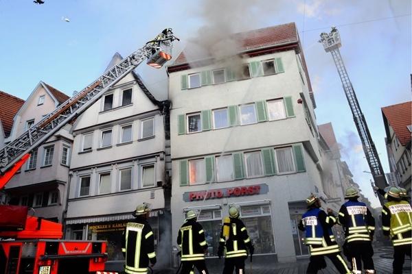 Ein Feuer zerstörte mehrere Häuser in der historischen Altstadt von Esslingen. Foto: 7aktuell.de
