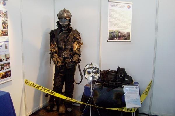 Beschädigte Persönliche Schutzausrüstung. Foto: Atemschutzunfaelle.eu