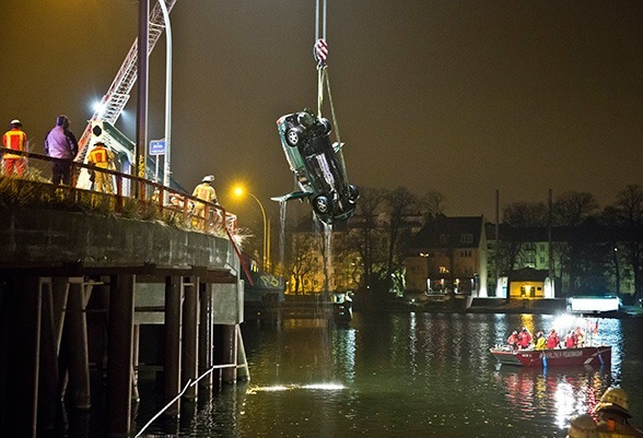 Absturz vom Brückenkopf. Foto: Steffen Tzscheuschner