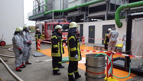 Gefahrguteinsatz_Bremen_Feuerwehr01
