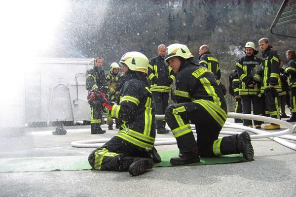 Überhose_Feuerwehr_PSA_Persönliche Schutzausrüstung_Einsatzkleidung_II