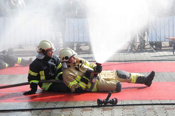 Überhose_Feuerwehr_PSA_Persönliche Schutzausrüstung_Einsatzkleidung_III